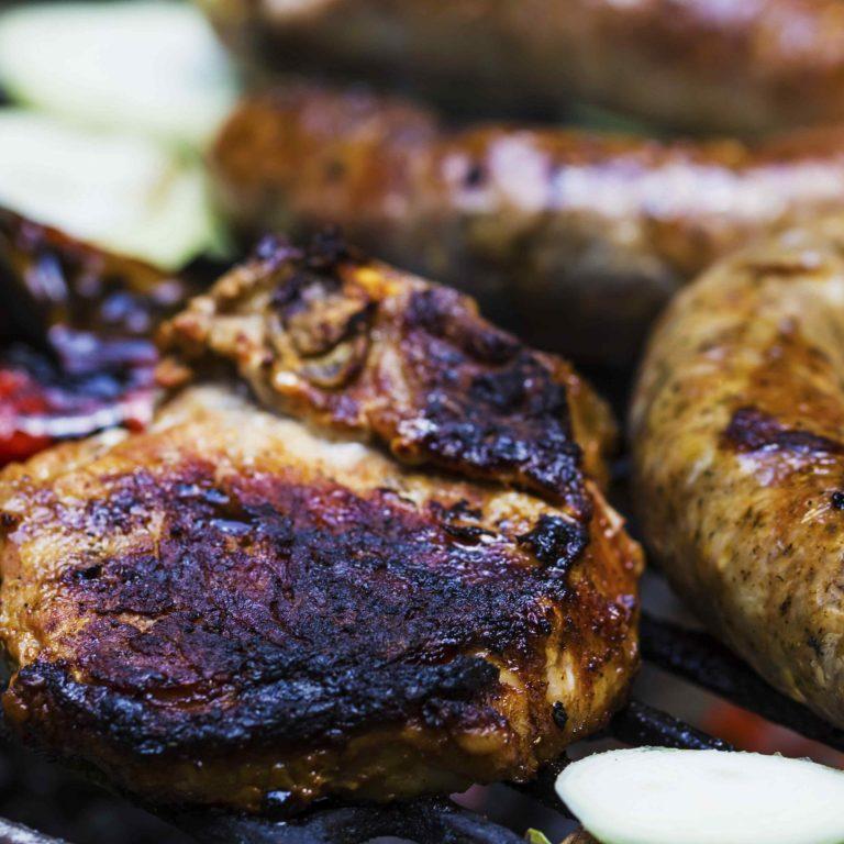 come evitare di bruciare la carne alla griglia